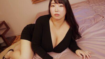 Momo Momose Sexy pics