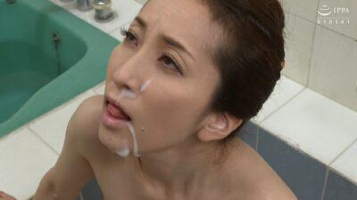 Japanese mature Satomi Fueki's cum on face pics