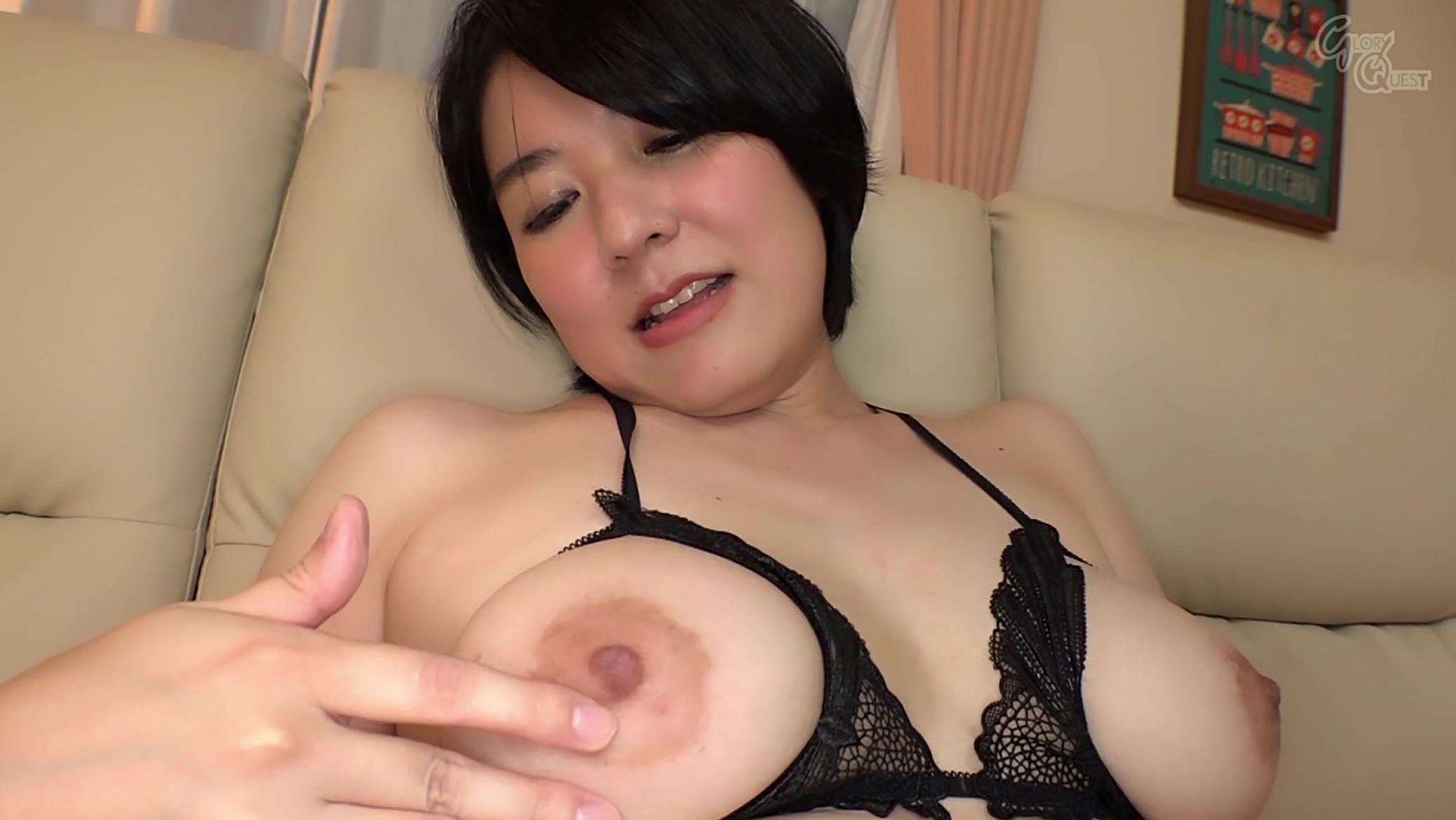 Japanese milf Yui Hachisaki big boobs pics