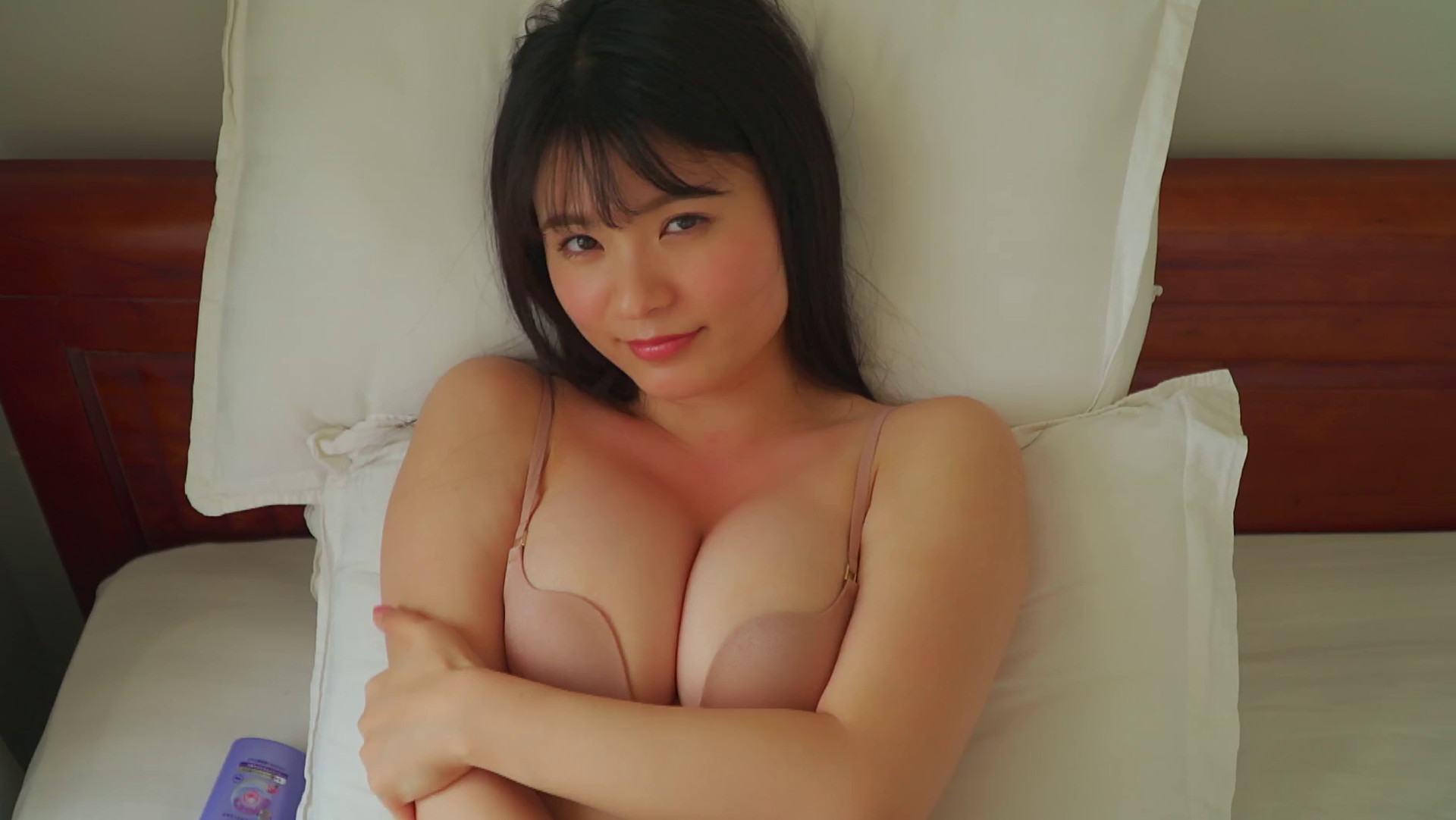 Mizuki Hoshina sexy pics