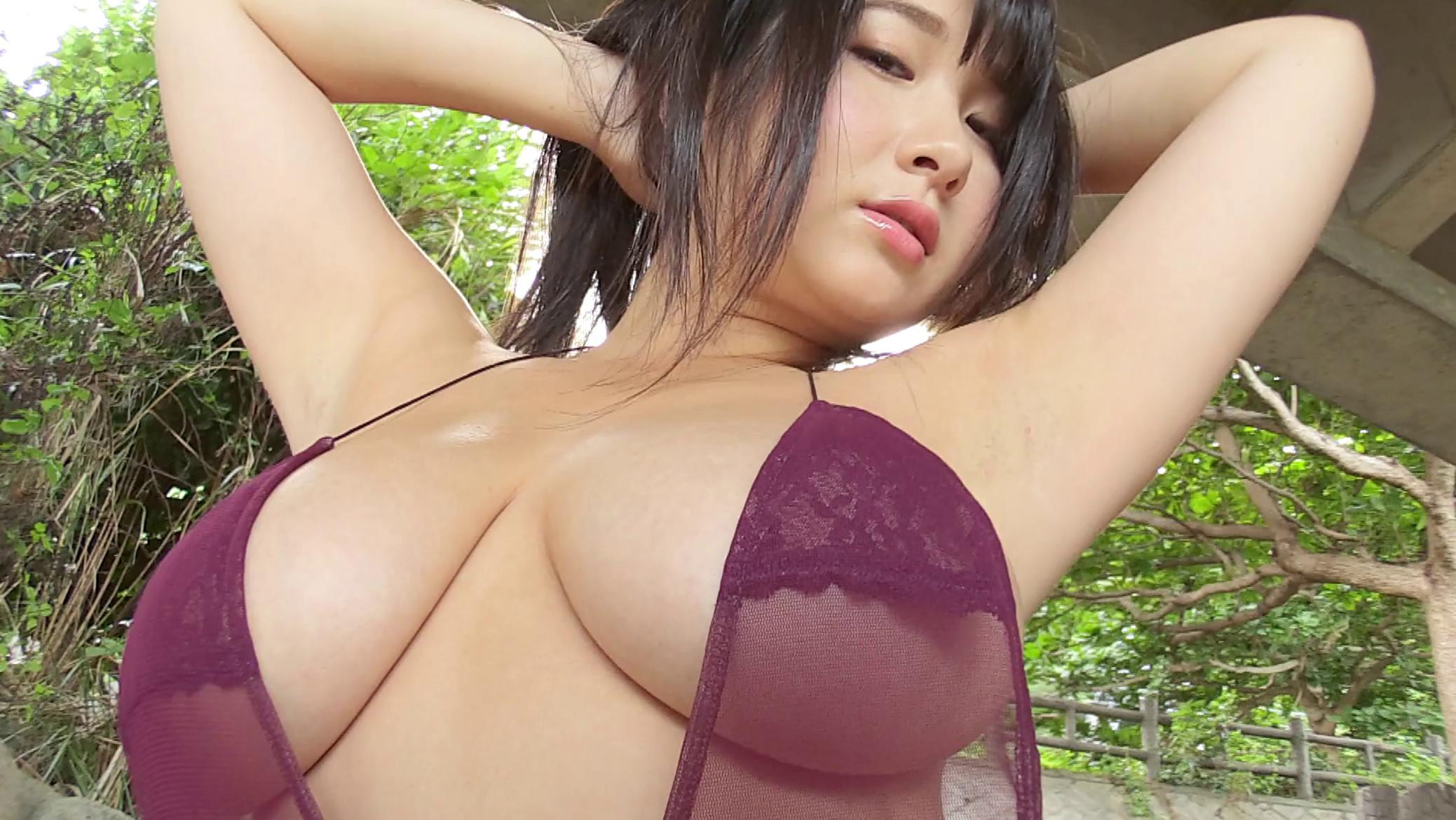 Rui Kiriyama's huge boobs pics