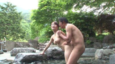 Mao Kurata's standing sex in onsen pics