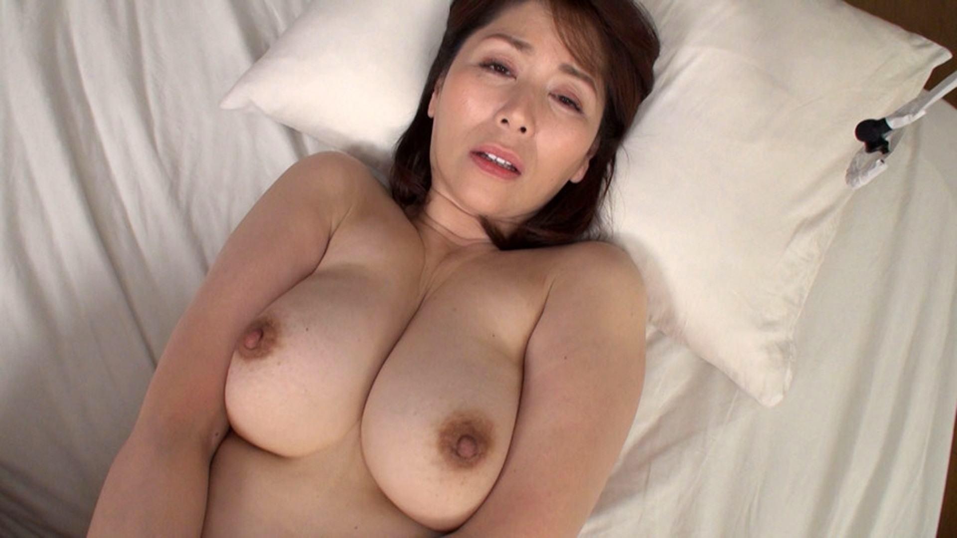Chisato Shoda's missionary sex pics