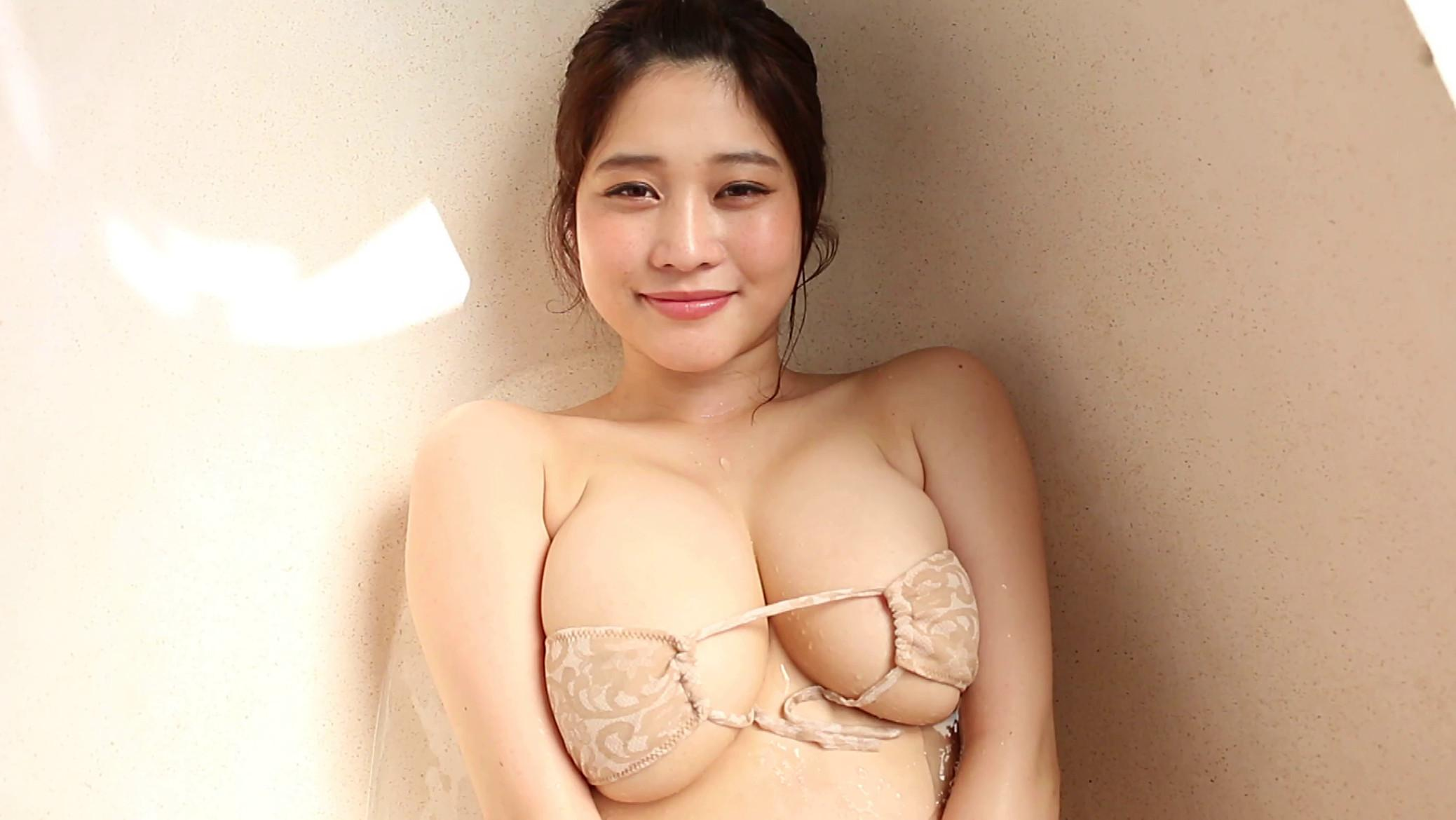 Tkahashi rin's huge cleavage pics