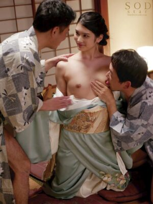 Pics of Suzu Honjo trying to SEX with two men in kimono