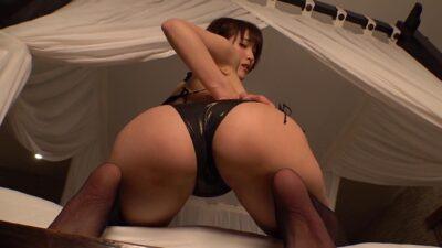 Yumi Asahina's sexy ass pics