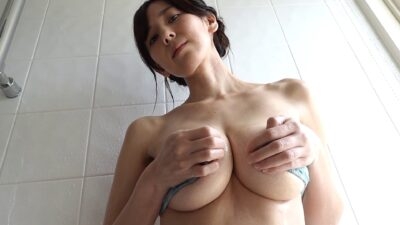 Pics of Miki Itoka showing off her amazing cleavage
