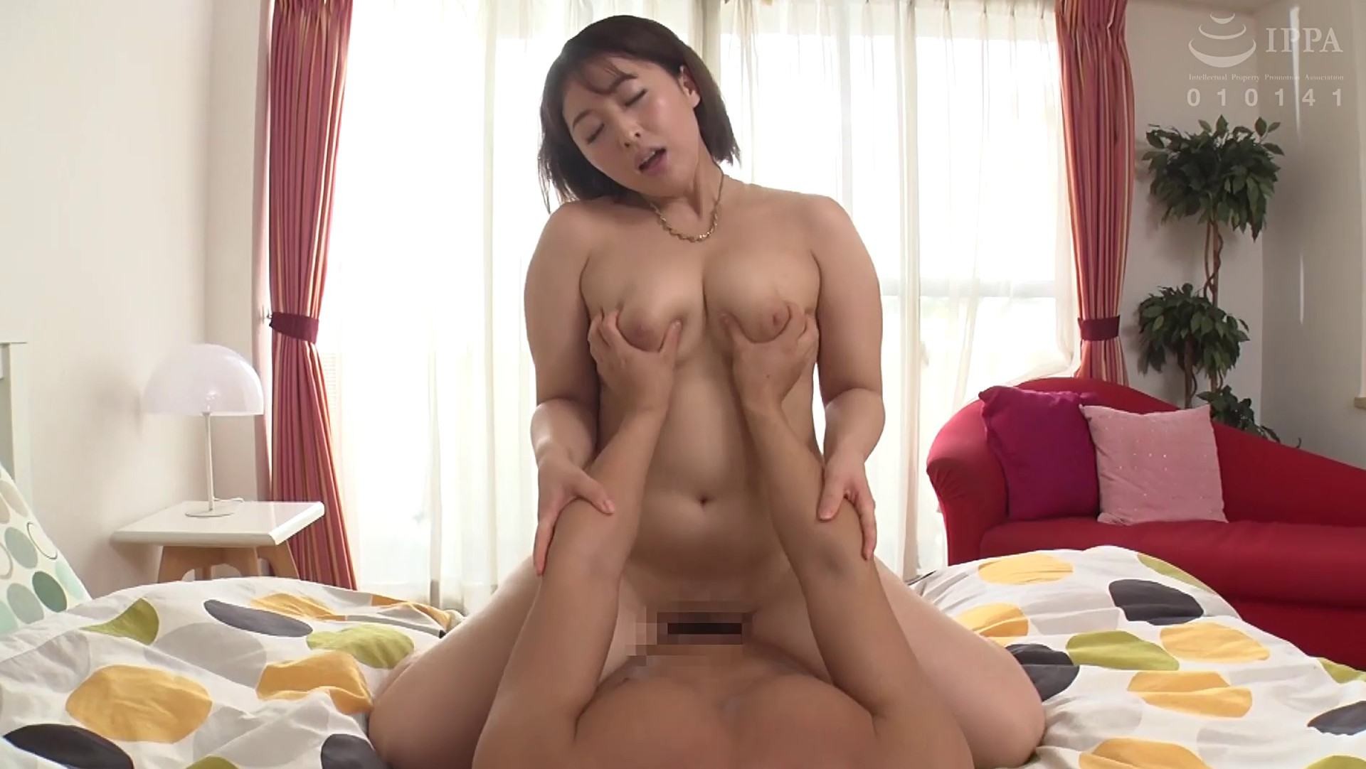 Pics of Kanna Shinozaki doing cowgirl sex