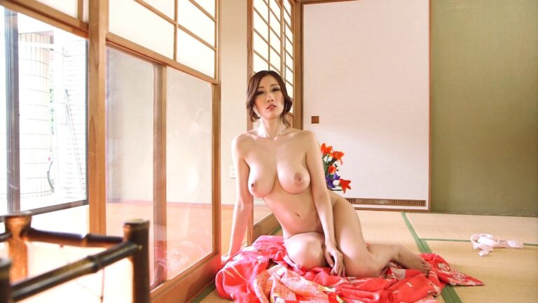 Pics of JULIA taking off her kimono and getting naked