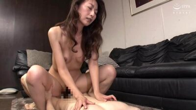 Pics that Rei Aoki is having cowgirl sex