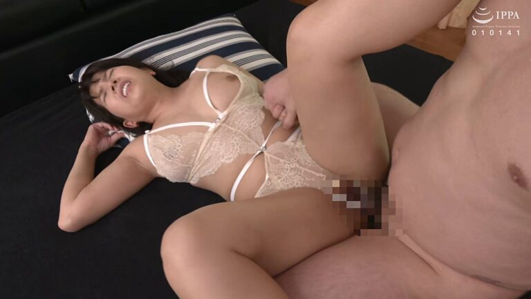 Porn pics of Japanese mature Yukako Takamura having sex with missionary position
