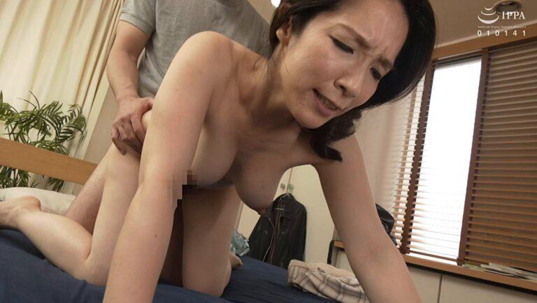 Porn pics of Japanese milf Mari Kuroki having doggy style sex