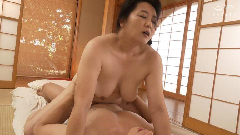 Porn pics of Japanese mature Yoko Ishida having cowgirl sex
