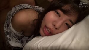 Porn pics of Japanese wife Yua having cheating sex
