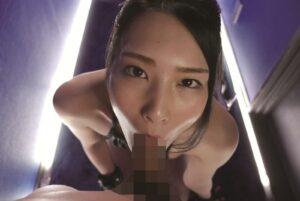 Porn pics of Japanese porn star Suzu Honjo giving a blowjob