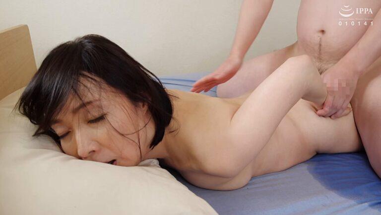 Porn pics of Japanese mature Ryoko Izumi having doggy style sex