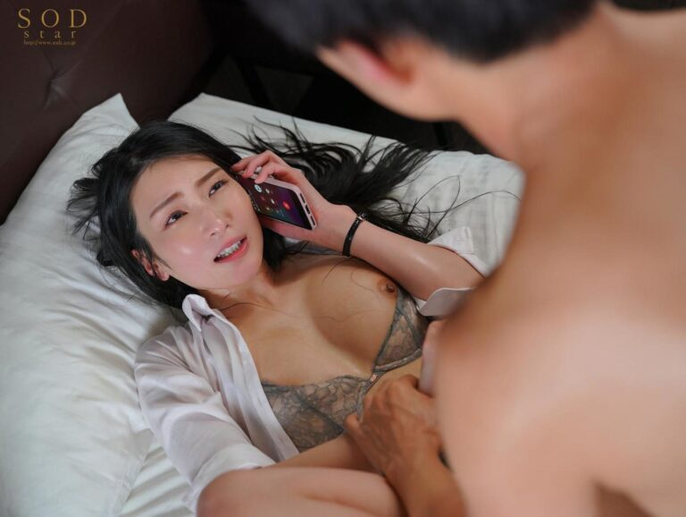 Porn pics of Japanese porn star Suzu Honjo fucking in missionary position