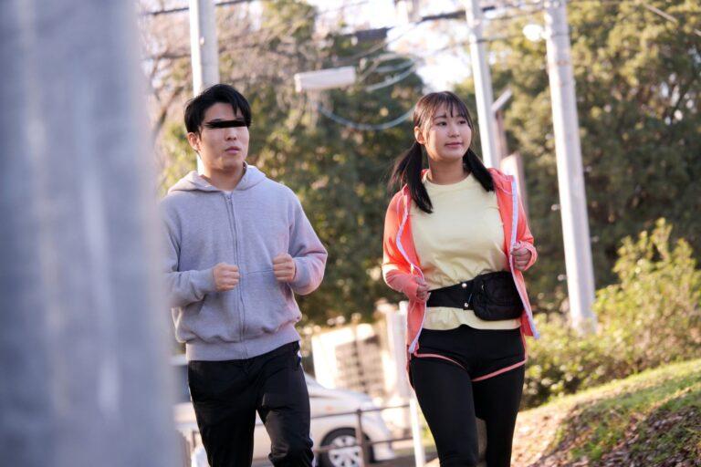 Pics of Japanese huge boobs girl Tomoko jogging