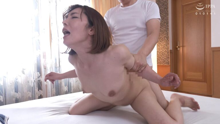 Porn pics of Japanese MILF Chihiro Hanamura fucking in doggy style
