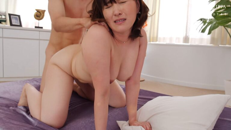 Porn pics of Japanese mature woman Asako Takanashi fucking in doggy style